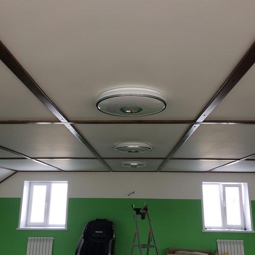 Монтаж люстр в помещении
